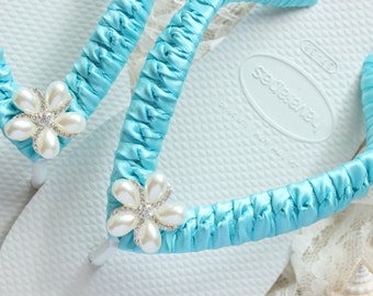 AQUA Bridal Flip Flops, Bride gift, Bridesmaid gift, Wedding flip flops, Bridal Sandals, Wedding Sandals, Beach Wedding shoes, bridal shoes