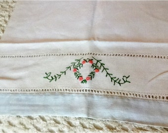 Beautiful Vintage Linen Towel