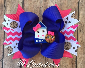 Milk and cookies bow