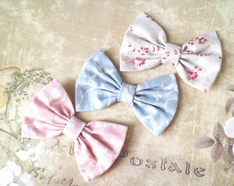 Pastel bows, tiny hair clip, girls bows, pastel blythe bow. Blythe doll accessories. Flowers print. Doll bows. Prop, Photographer