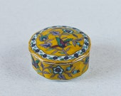Fantastic Vintage Trinket Box Small Porcelain Gift Box Jewellery Box Medicine Tablet Box Beautiful Gift