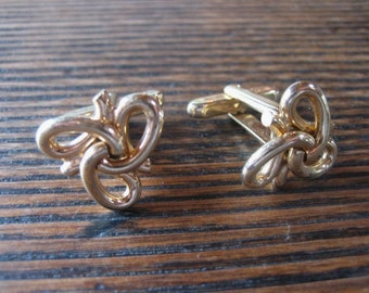 1950s Hickok Gold Tone Irish Celtic Knot Triskele Cufflinks Cuff Links