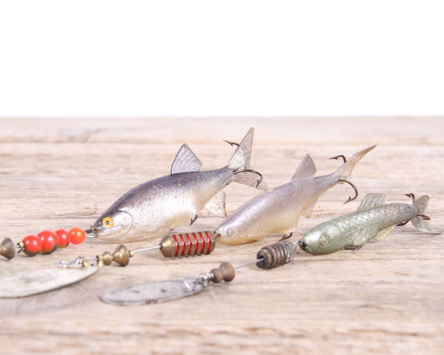 Old fishing lures mepps fishing lures fishing decor for Fishing lure decor