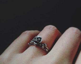 Set of rose ring and dew drops ring silver stacker stacking ring nature flower inspired jewelry solitaire rose ring
