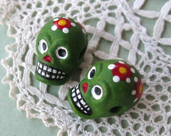 Day of the Dead Skull Beads Green Peru Handpainted Ceramic Horizontal Hole (2)