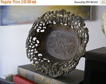 Silver Plated Ornate Bowl, MOD DEP, Oval Filigree Display bowl, Cottage chic, Rustic decor, Gift for hostess, Made in Italy