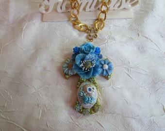 """Collier pendentif """"série de croix fleuries """""""