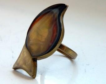 Vintage Fantasy Statement Brass Resin Leaf Ring Adjustable