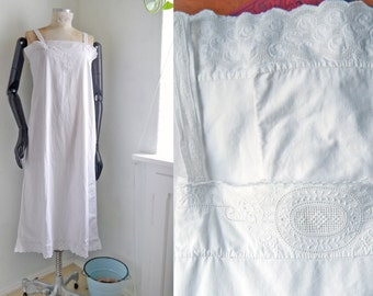 Antique Nightgown White cotton Full lenght Underwear Lingerie Dress Cut out Lace  Downton Abbey Romantic linnen nightdress