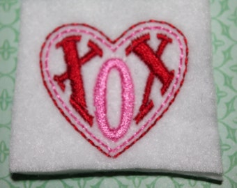 XOX heart feltie, medium pink and red hugs and kisses heart on white felt stitchies,applique for hair accessories, scrapbooking and crafts