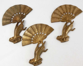Vintage Brass Hand and Fan Stampings, Oriental Fan and Hand, Jewelry Making, Patina Brass, Antique Brass, B'sue, 56 x 43mm, Item07170