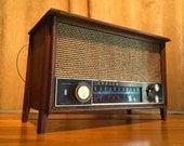 Today Sale ! Rare Antique Wood Zenith Tube Radio Long Distance Am Fm Model K731 Wood Table Mantle Shelf 40s 1950s Mid-Century Eames Danish M