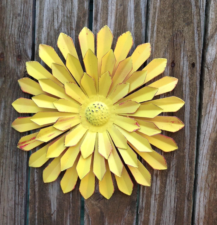 12 Metal Flower Marigold Metal Yard Art Fence & Wall