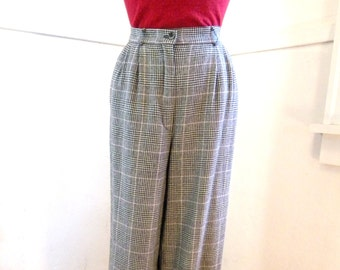 Pretty 1980s Women's Pendleton Wool Pants Plaid / MEDIUM / Black White Pink Houndstooth / Pleated High Waist Pants / Wide Leg / Lined