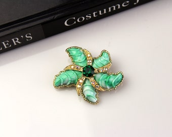 Unsigned green  starfish brooch/pin #626