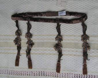 Vintage Italian garter belt, size M