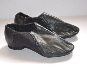 Vintage  designer So Danca kids size 10 black leather dancing shoes girl 2T/ 3T dance jazz shoes made in Brazil