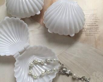 12 Medium Seashell, white seashell favor box, wedding favor, communion favor box, beach wedding favor, baptism favors