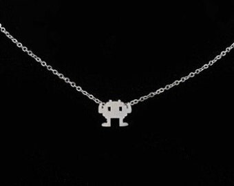 Retro Game Necklace, Space Invader Neclace, Nintendo 8-Bit Retro Video Game Jewelry, Robot Necklace, Geeky Gift, Video Game Jewelry, Invader