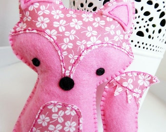 Pink Fox Sewing Kit, Felt Hand-Sewing Kit Craft Felt Sewing Kit, Kid Sewing Kit, diy Felt Mini kit