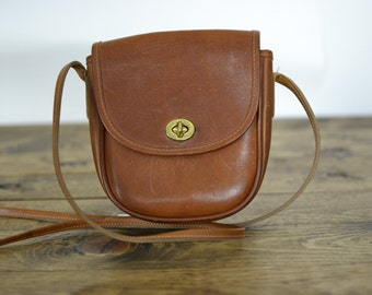 Vintage G H Bass British Tan Leather Crossbody Turnlock  Bag - Perfect for FALL 2016!