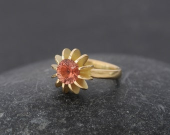 18K Gold Sunstone Ring - Peach Gem Engagement Ring - Oregon Sunstone Ring  - Solitaire Sunstone Gold Ring - Made to order - FREE SHIPPING