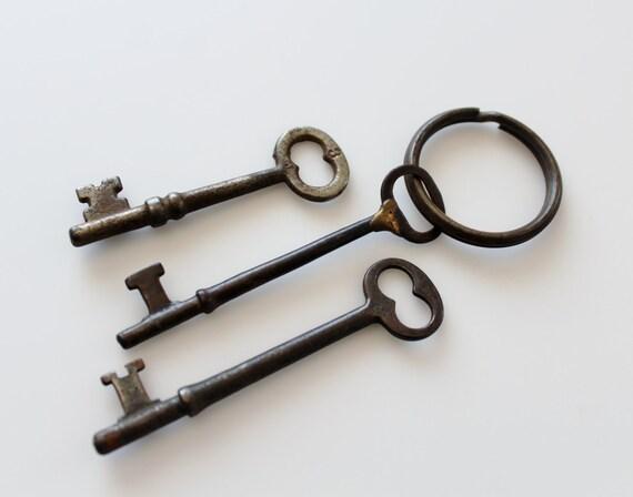 Antique Skeleton Keys - Keys to the Farmhouse - Rustic Farmhouse Decor