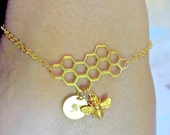 Bee honeycomb bracelet, GOLD or SILVER, personalized initial charm bracelet, bee keeper jewelry, honeycomb charm bracelet, spring jewelry
