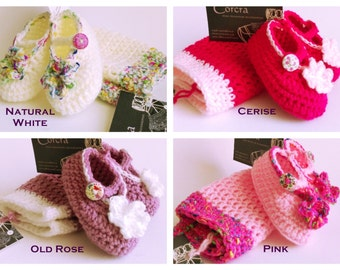 Pink Baby Girl Hat and Booties Set 0-3 months Baby Gift Crochet Hat and Booties