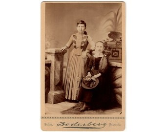 Sutton Nebraska Photo, Antique Cabinet Card, 2 Girls, Long Curly Hair, Holding Feather Hat, Soderberg Photographer, 1890s Cabinet Card