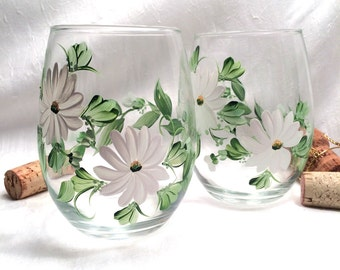 Daisy stemless hand painted wine glasses