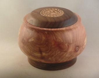 Red Cedar Pet Urn # 804-50