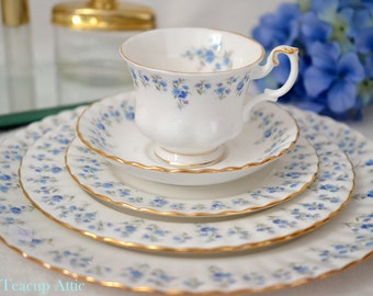 Royal Albert 5 Piece Place Setting  Memory Lane, Bone China English Tea Cup Set, Replacement China, ca 1970