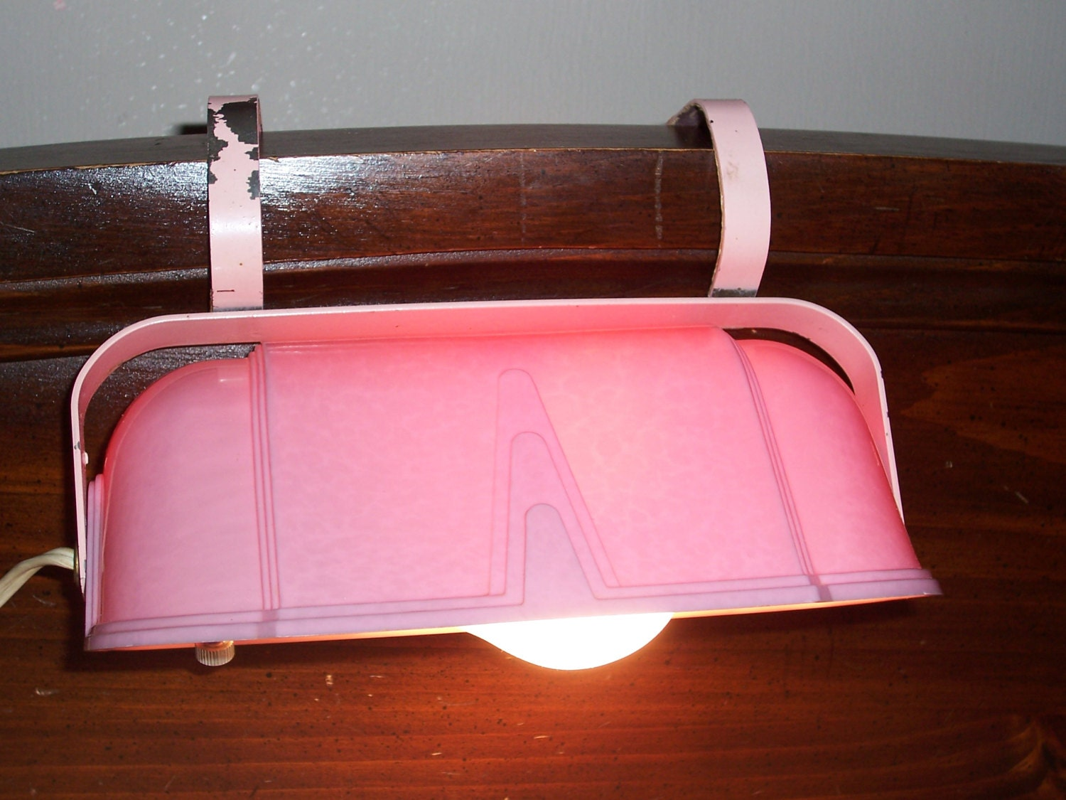 vintage retro art deco pink bed reading light headboard. Black Bedroom Furniture Sets. Home Design Ideas