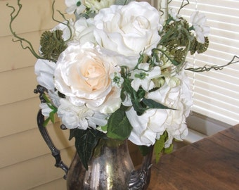 Beautiful Traditional White Bridal Bouquet