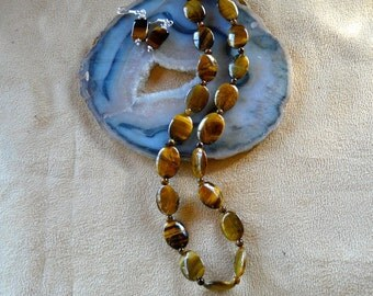 18-20 Inch Simple Oval Tiger's Eye Necklace with Earrings