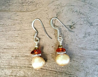 Champagne freshwater pearl and amber earrings, small pearl dangle earrings, pink pearl earrings, pearl and amber earrings, Freshwater pearls