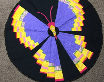 Butterfly Flyaway Round Quilt