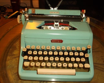 Royal 1950s Turquoise Blue Royal Quiet de Luxe Portable Manual Typewriter