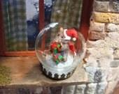 santa rat in a 20 mm glass globe  - 12th scale