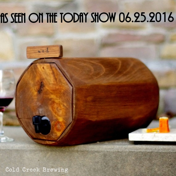 Wine Barrel - Wedding Reception - Gift Idea - Eco Friendly - Rustic Wedding - Maid of Honor Gift - Wine Decanter