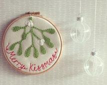 "Merry Kissmas 6"" Christmas mistletoe embroidery hoop"