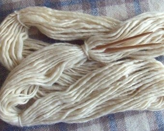 50% off SALE! Hand Spun Local Long Wool Blend Singles Yarn, creamy white, 7 ozs (200 gms), Super Bulky wt., un-dyed