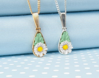 Daisy Tear Drop Pendant Necklace