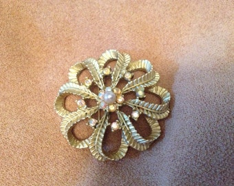 Vintage Goldtone Floral Design Pin/Brooch
