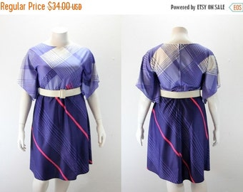 SALE 40% off XL Vintage Dress - Purple and Lilac