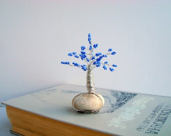 Beaded tree miniature, Wire art tree sculpture, Small blue bonsai tree, Home decor, seed beads, coated wire and natural rock