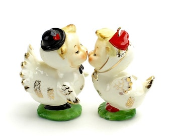Vintage Wedding Cake Topper, MINT,  Napco Lovebirds Salt Pepper Shakers, Romantic Topper, Unique, Wedding Cake, Anthropomorphic Epsteam 1