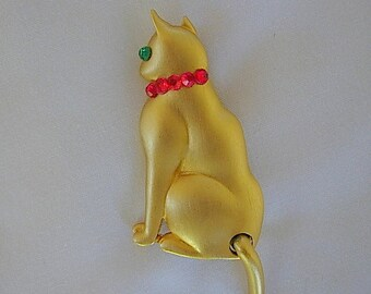 Vintage Christmas Cat Brooch Signed JJ Jonette Red & Green Rhinestones on Brushed Gold Tone Metal Articulated Tail Kitty Feline Figural Pin