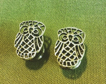 Whooo's cute? Owl plugs in silver